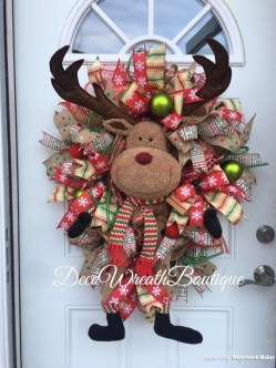 Inspiring Diy Christmas Door Decorations Ideas For Home And School 14