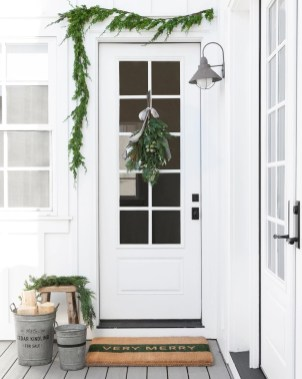 Inspiring Diy Christmas Door Decorations Ideas For Home And School 33