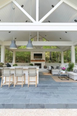 Luxury Outdoor Kitchen Design Ideas That Brings A Cleaner Looks 34