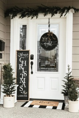 Magnificient Christmas Front Porch Decor Ideas To Try Asap 07