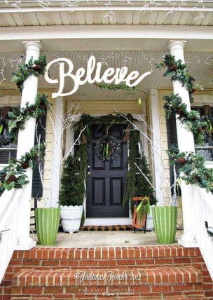 Magnificient Christmas Front Porch Decor Ideas To Try Asap 27