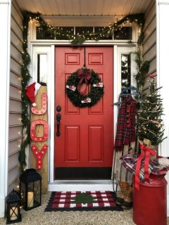 Magnificient Christmas Front Porch Decor Ideas To Try Asap 29