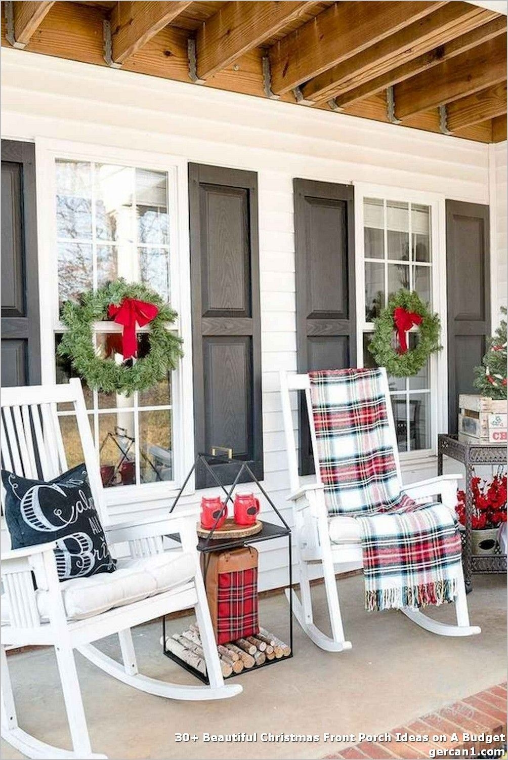 Magnificient Christmas Front Porch Decor Ideas To Try Asap 31