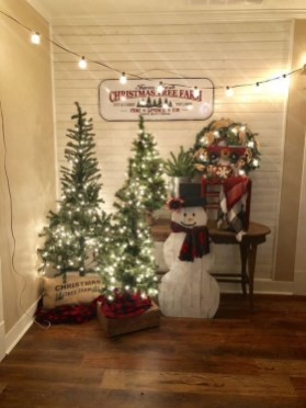 Magnificient Christmas Front Porch Decor Ideas To Try Asap 36