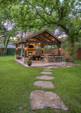 Newest Home Outdoor Decoration Ideas For Enjoying Your Days 42