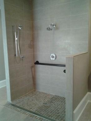 Pretty Bathroom Accessories Design 06