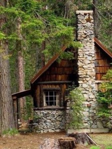 Affordable Small Log Cabin Ideas With Awesome Decoration 02