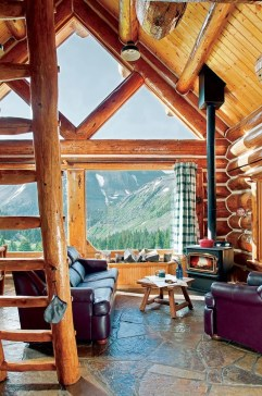 Affordable Small Log Cabin Ideas With Awesome Decoration 15