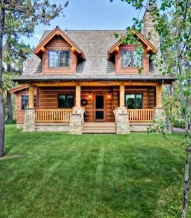 Affordable Small Log Cabin Ideas With Awesome Decoration 23