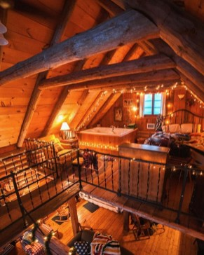 Affordable Small Log Cabin Ideas With Awesome Decoration 25