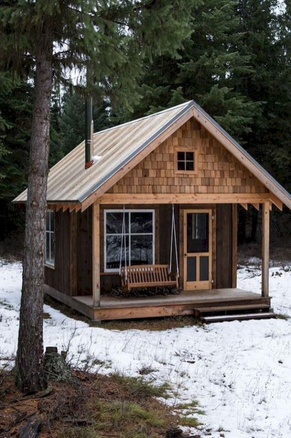 Affordable Small Log Cabin Ideas With Awesome Decoration 40