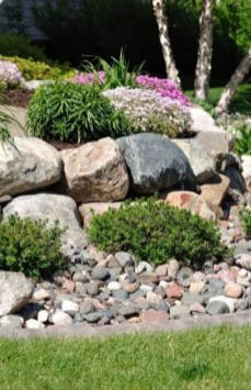 Delicate Garden Landscaping Design Ideas Using Rocks Stone To Try 03