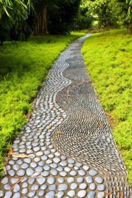 Delicate Garden Landscaping Design Ideas Using Rocks Stone To Try 08