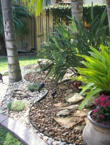 Delicate Garden Landscaping Design Ideas Using Rocks Stone To Try 22