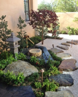 Delicate Garden Landscaping Design Ideas Using Rocks Stone To Try 25