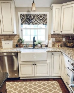 Elegant Farmhouse Kitchen Cabinet Makeover Design Ideas That Very Cozy 19