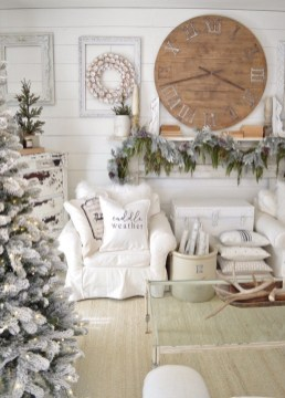 Excellent Living Room Decoration Ideas For Winter Season That Look More Cool 26
