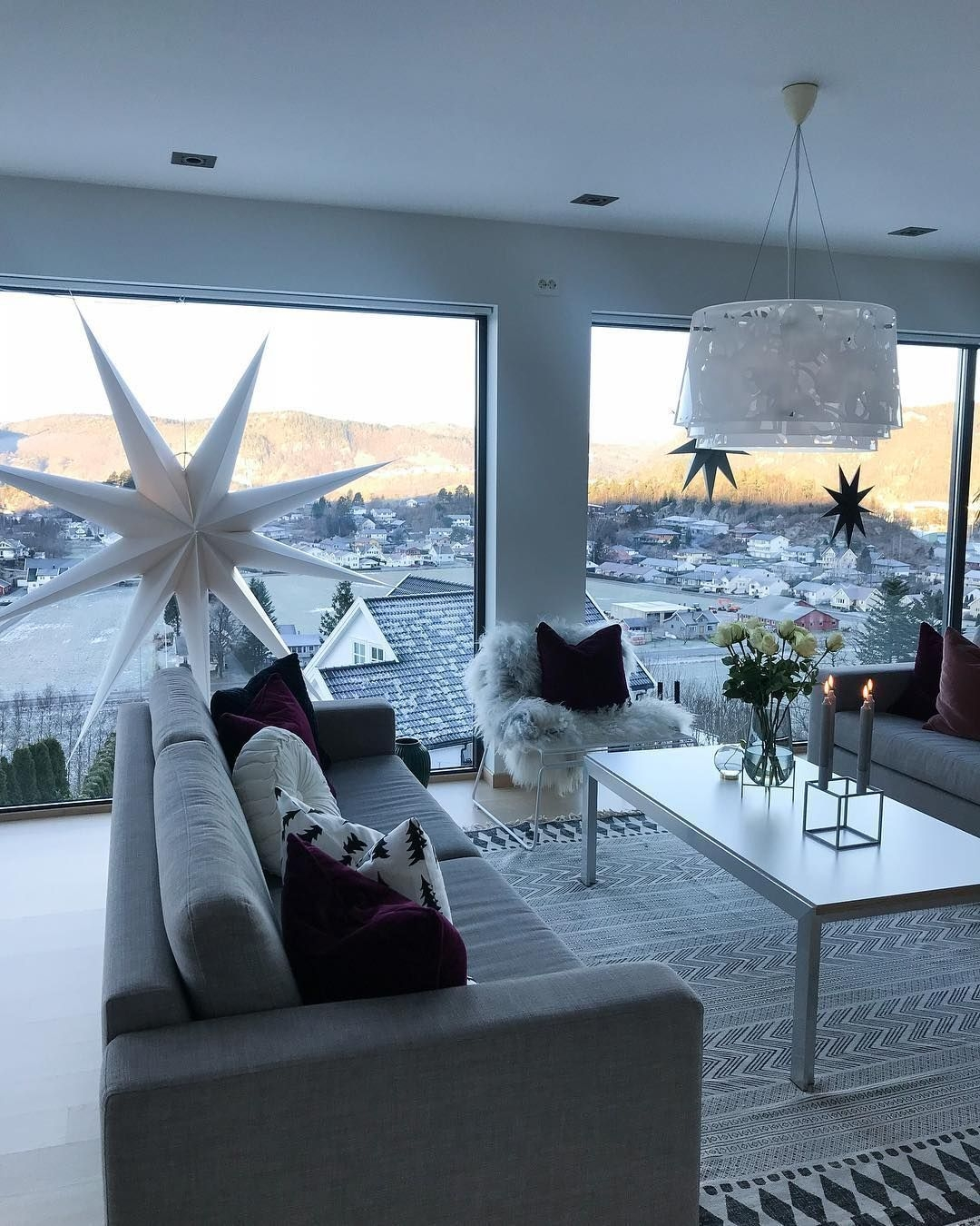 Excellent Living Room Decoration Ideas For Winter Season That Look More Cool 30