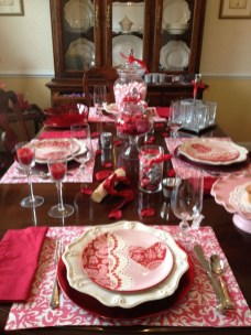 Lovely Valentines Day Table Centerpieces Ideas To Try Asap 02