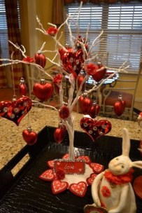Lovely Valentines Day Table Centerpieces Ideas To Try Asap 03