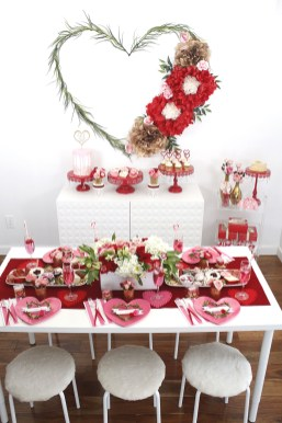 Lovely Valentines Day Table Centerpieces Ideas To Try Asap 15