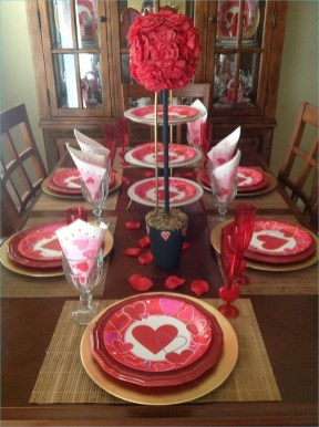 Lovely Valentines Day Table Centerpieces Ideas To Try Asap 18