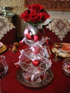 Lovely Valentines Day Table Centerpieces Ideas To Try Asap 32