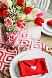Lovely Valentines Day Table Centerpieces Ideas To Try Asap 38