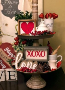 Lovely Valentines Day Table Centerpieces Ideas To Try Asap 41