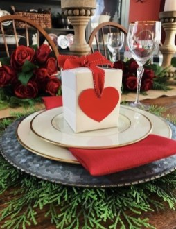 Lovely Valentines Day Table Centerpieces Ideas To Try Asap 47