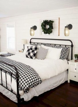 Pretty Farmhouse Master Bedroom Ideas To Try Asap 25