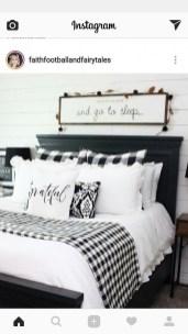 Pretty Farmhouse Master Bedroom Ideas To Try Asap 29