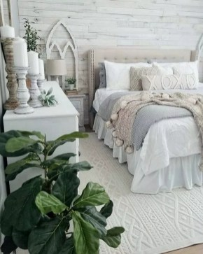 Pretty Farmhouse Master Bedroom Ideas To Try Asap 36