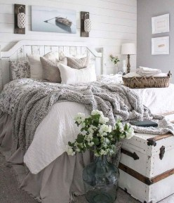Pretty Farmhouse Master Bedroom Ideas To Try Asap 39