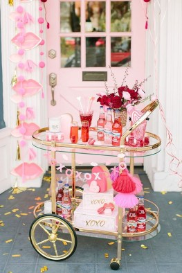 Stylish Valentines Day Decoration Ideas That You Will Love It 35