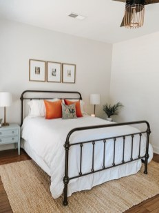 Wonderful Farmhouse Bedroom Decorating Ideas That You Need To Try 23