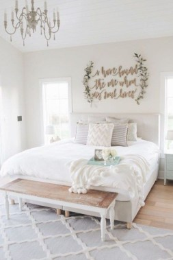 Wonderful Farmhouse Bedroom Decorating Ideas That You Need To Try 24