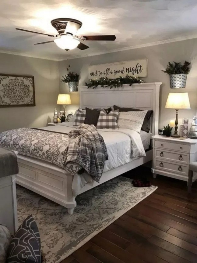 Wonderful Farmhouse Bedroom Decorating Ideas That You Need To Try 37