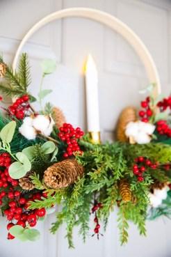 Gorgeous Scandinavian Winter Wreaths Ideas With Natural Spirit 07