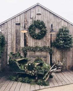 Gorgeous Scandinavian Winter Wreaths Ideas With Natural Spirit 22