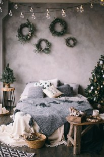 Gorgeous Scandinavian Winter Wreaths Ideas With Natural Spirit 23