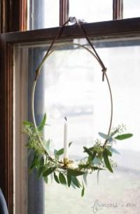 Gorgeous Scandinavian Winter Wreaths Ideas With Natural Spirit 30