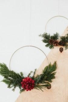 Gorgeous Scandinavian Winter Wreaths Ideas With Natural Spirit 37