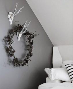 Gorgeous Scandinavian Winter Wreaths Ideas With Natural Spirit 46