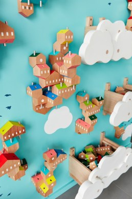 Magnificient Wooden Sky Villages Building Ideas For Interactive Kid Walls 15