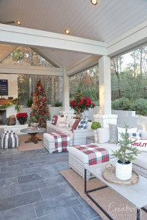 Superb Outdoor Winter Decor Ideas That Refresh Your Feel 01