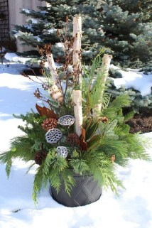 Superb Outdoor Winter Decor Ideas That Refresh Your Feel 02