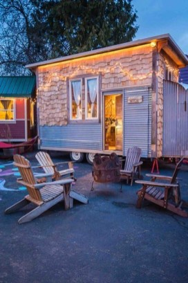 Adorable Tiny Houses Design Idea With 160 Square Feet That You Need To Try 25
