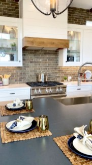 Best White Kitchen Design Ideas That You Need To Copy 19