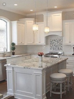 Best White Kitchen Design Ideas That You Need To Copy 46